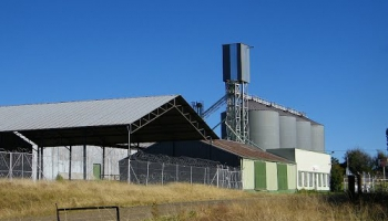 Grain silos at Slabberts station