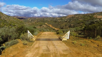 Steep gradients, cattle grids and wonderful Namaqualand scenery