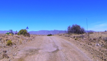 The summit of the Beletskloof Pass - Watch out for farm vehicles!
